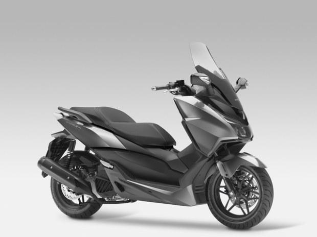 Honda Forza 125 Un xmax killer?? Honda-13