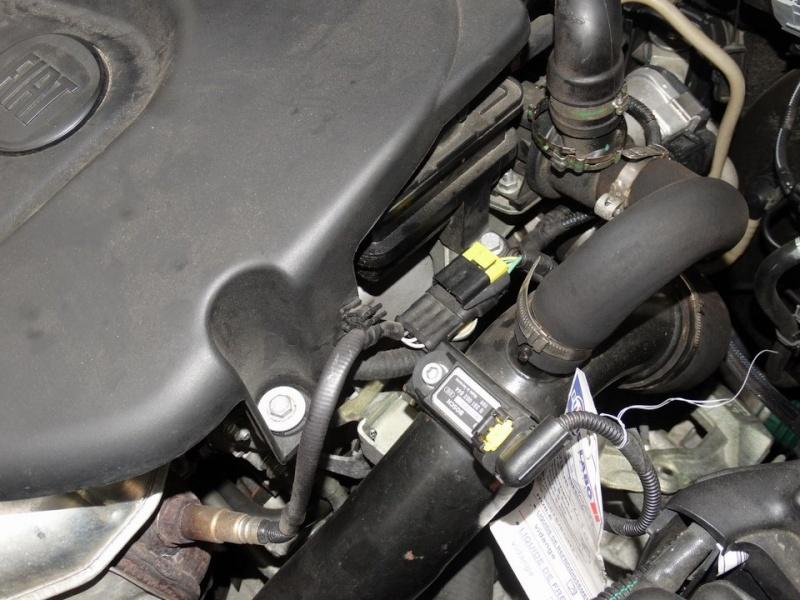 Voyant moteur + vérification demandée - Page 2 Dsc00910