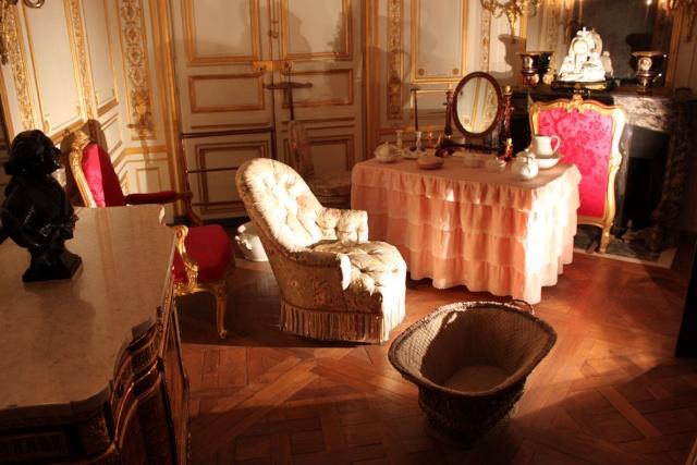Expo : Napoléon III et Eugénie reçoivent à Fontainebleau - Page 2 Font_c10