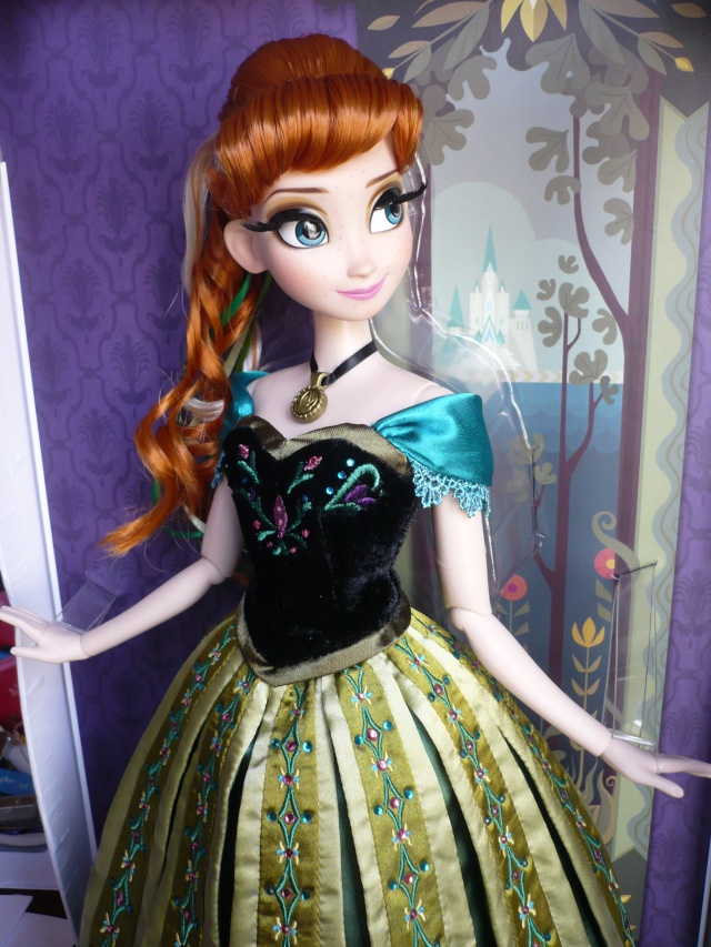 Disney Store Poupées Limited Edition 17'' (depuis 2009) - Page 39 P1170451