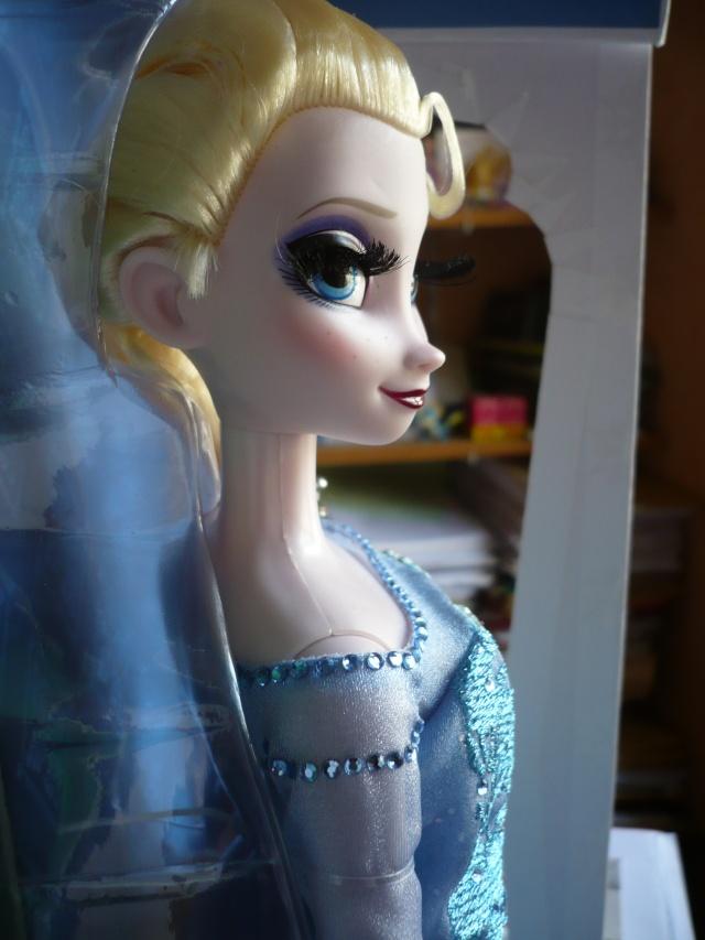 Disney Store Poupées Limited Edition 17'' (depuis 2009) - Page 39 P1170525