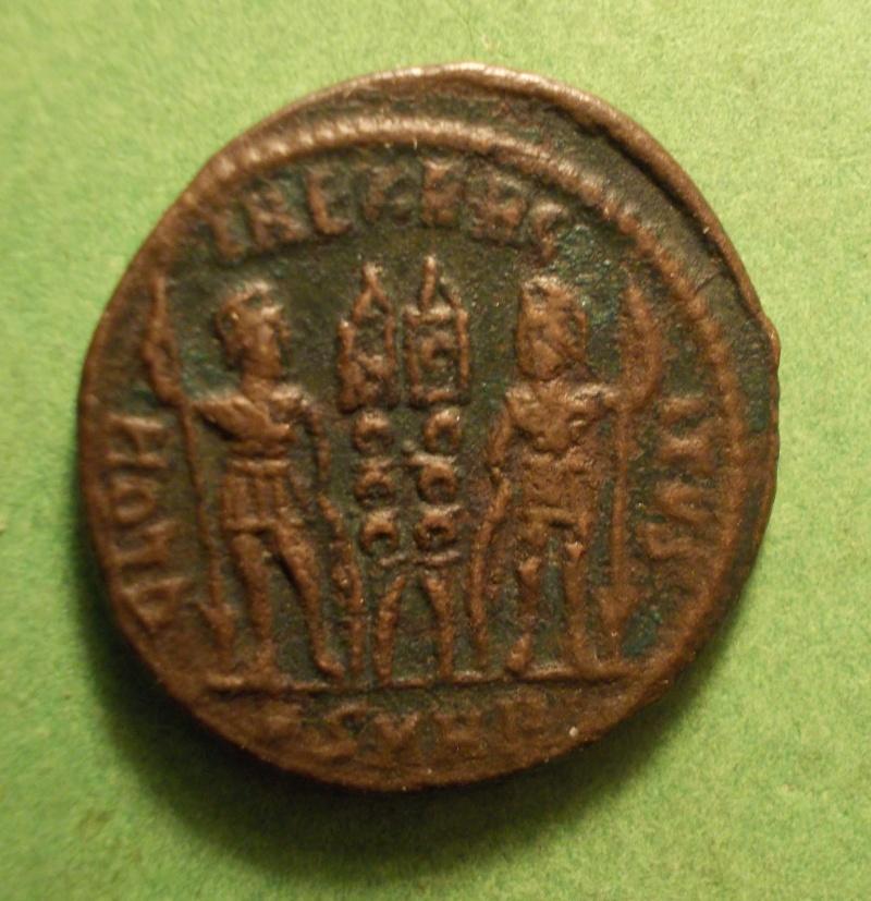 nummus de Constantin Ier pour Héraclée Dscn1111