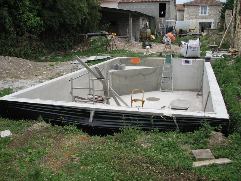 Autoconstruction d'une piscine - Page 2 2014-059