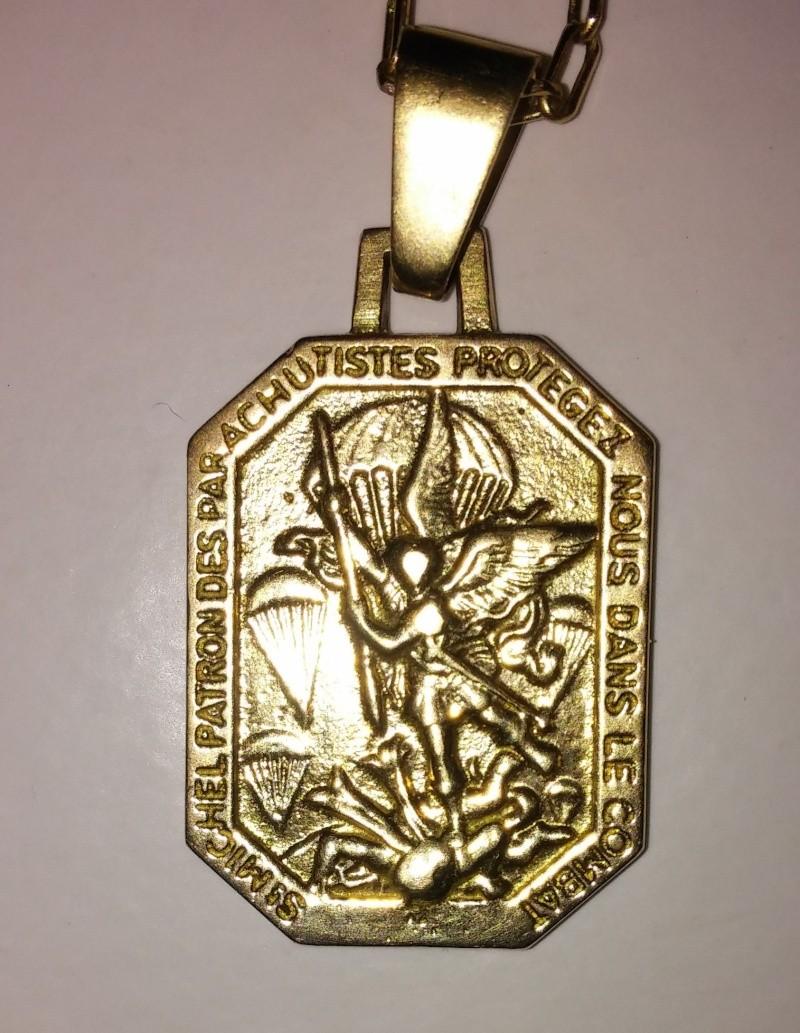 Médailles Saint-Michel suite Cam00112