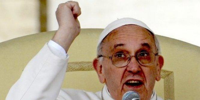 Le Pape appelle à l'aide pour les chrétiens persécutés Le-pap10