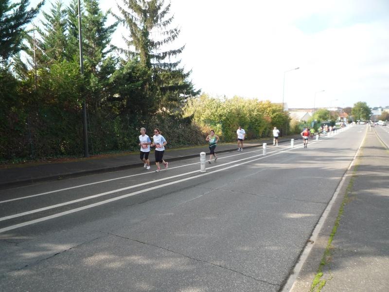 Semi-marathon du pays de Meaux 19 octobre 2014 - Page 3 P1120415