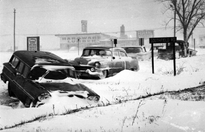 voitures et neige, cars and snow - Page 2 10577010