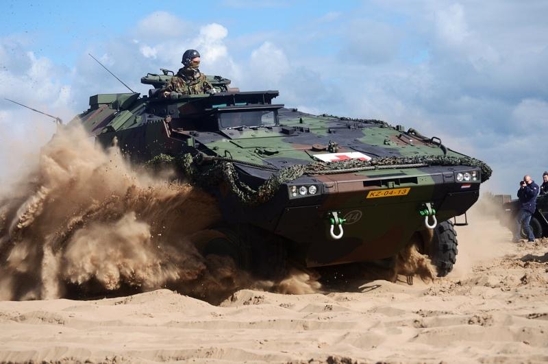 Armée Hollandaise/Armed forces of the Netherlands/Nederlandse krijgsmacht - Page 15 1400