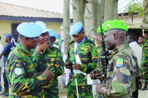 Armée du Gabon - Page 4 2434