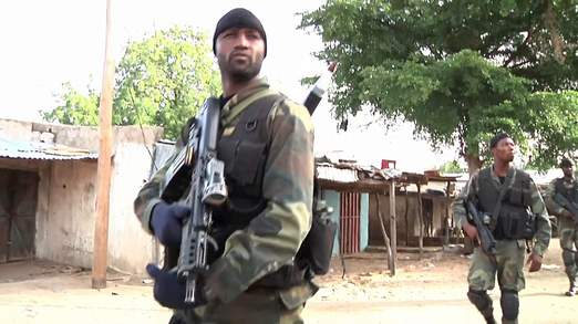 Forces Armées Camerounaises - Page 3 3117