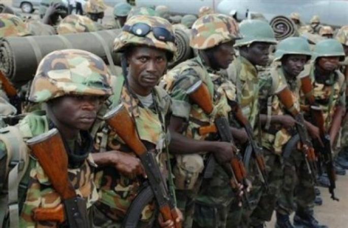 Forces Armées Camerounaises - Page 2 378
