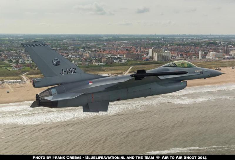 Armée Hollandaise/Armed forces of the Netherlands/Nederlandse krijgsmacht - Page 15 4126