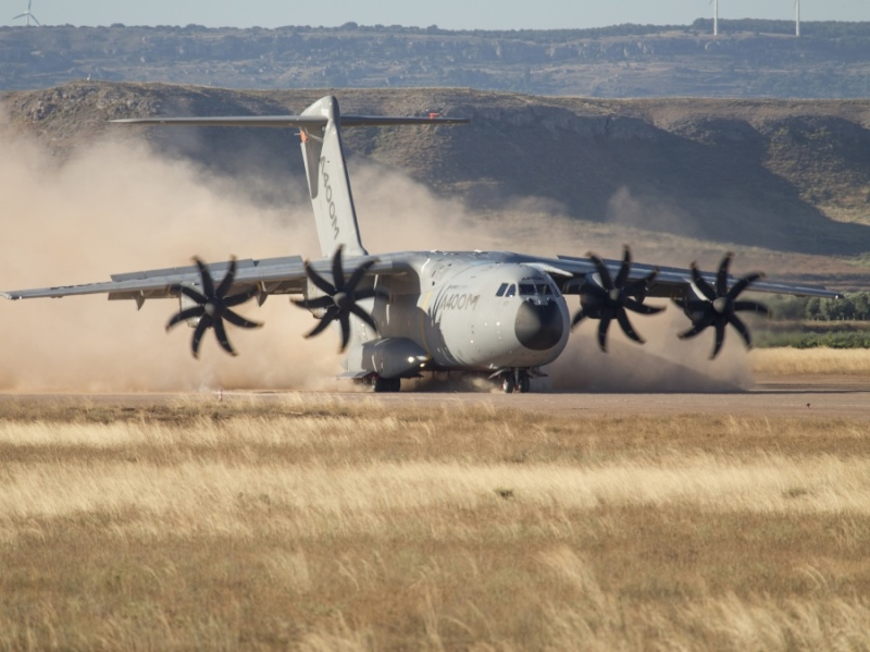 Airbus A400M - Page 13 468
