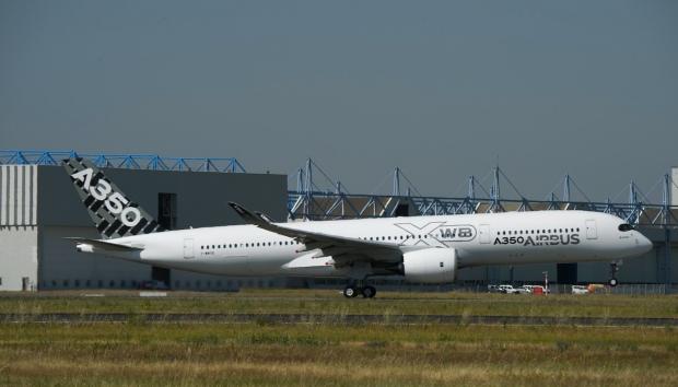 Airbus A350  667