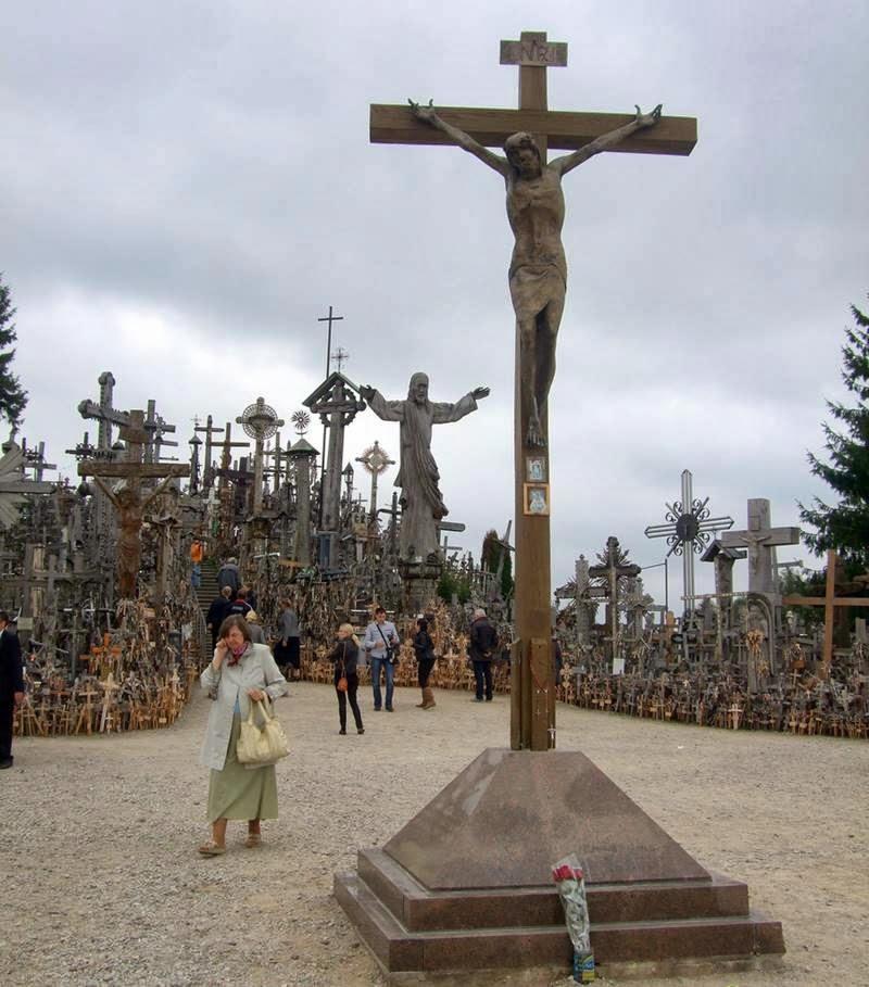 Si vous voulez voir des croix... Hillof12