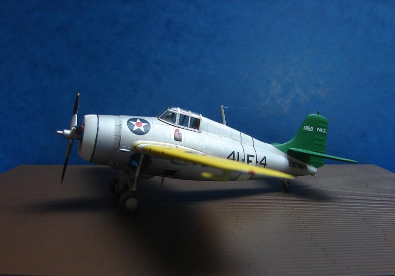 F4F-3 Wildcat  [HobbyBoss - 1/72] Dsc00117