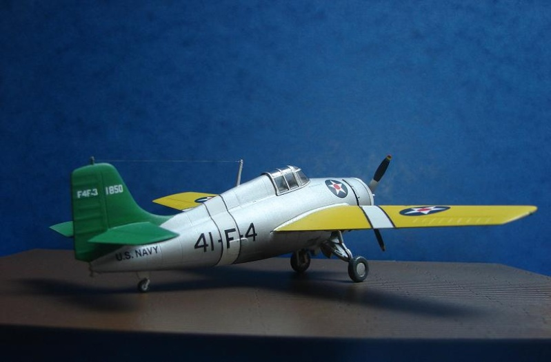 F4F-3 Wildcat  [HobbyBoss - 1/72] Dsc00118