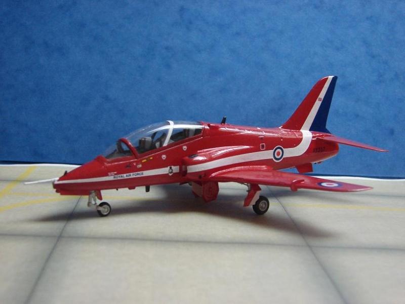 """BAe Hawk T. Mk I """"Red Arrows"""" [Revell - 1/72] Dsc00120"""
