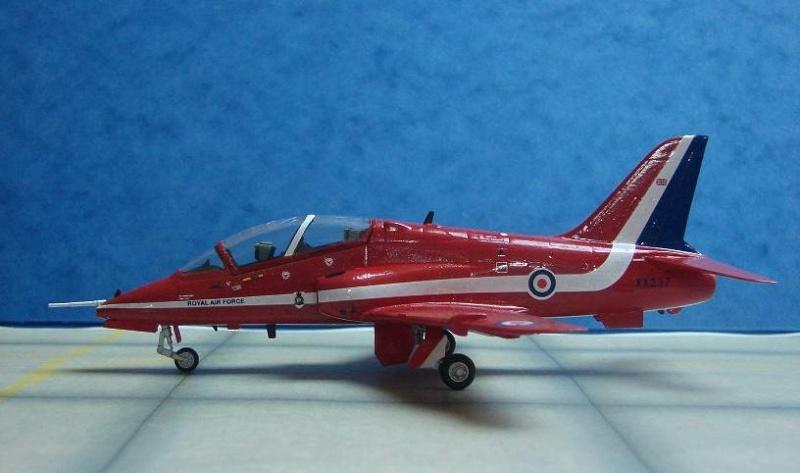 """BAe Hawk T. Mk I """"Red Arrows"""" [Revell - 1/72] Dsc00122"""