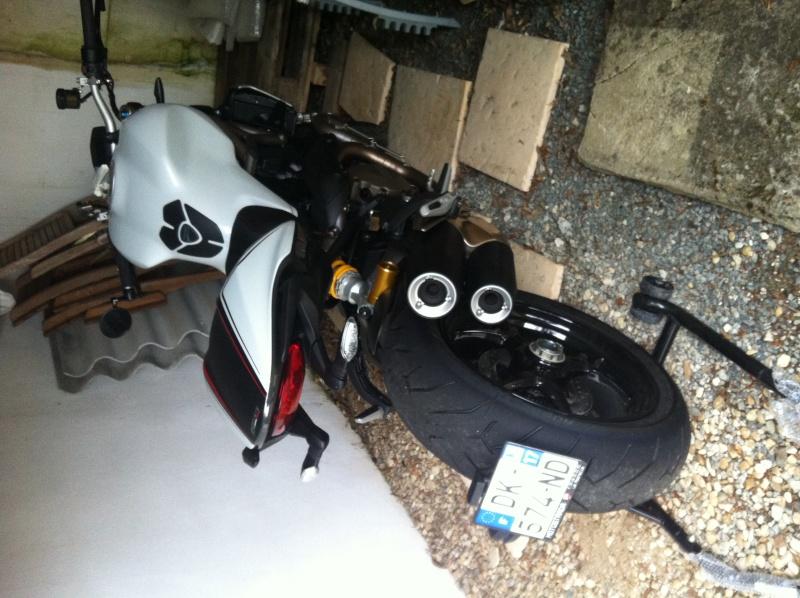1200 S white racing Photo_26