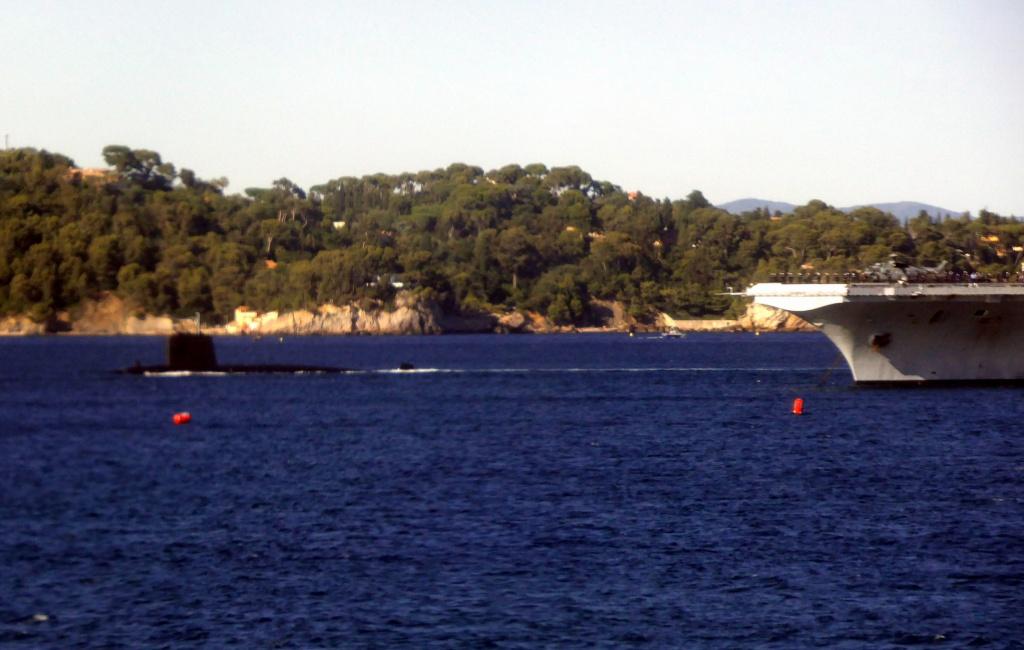 [Sujet unique] 70ème anniversaire du débarquement en Provence - Page 4 Armada19