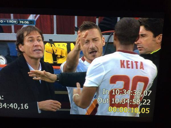 Genoa 0-1 AS Roma (15ème journée) - Page 11 10410210