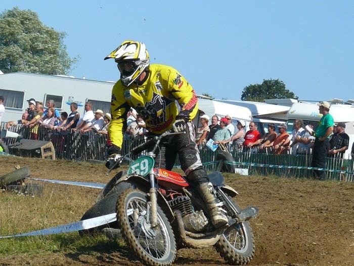 Calendrier 2012 moto et side car cross pré 1983 - Page 3 30224414