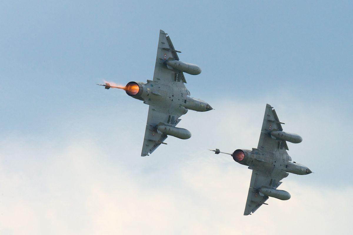 DEBRIEFING Retrait du F1 JEUDI 12 JUIN 2014  - Page 2 Mirage28