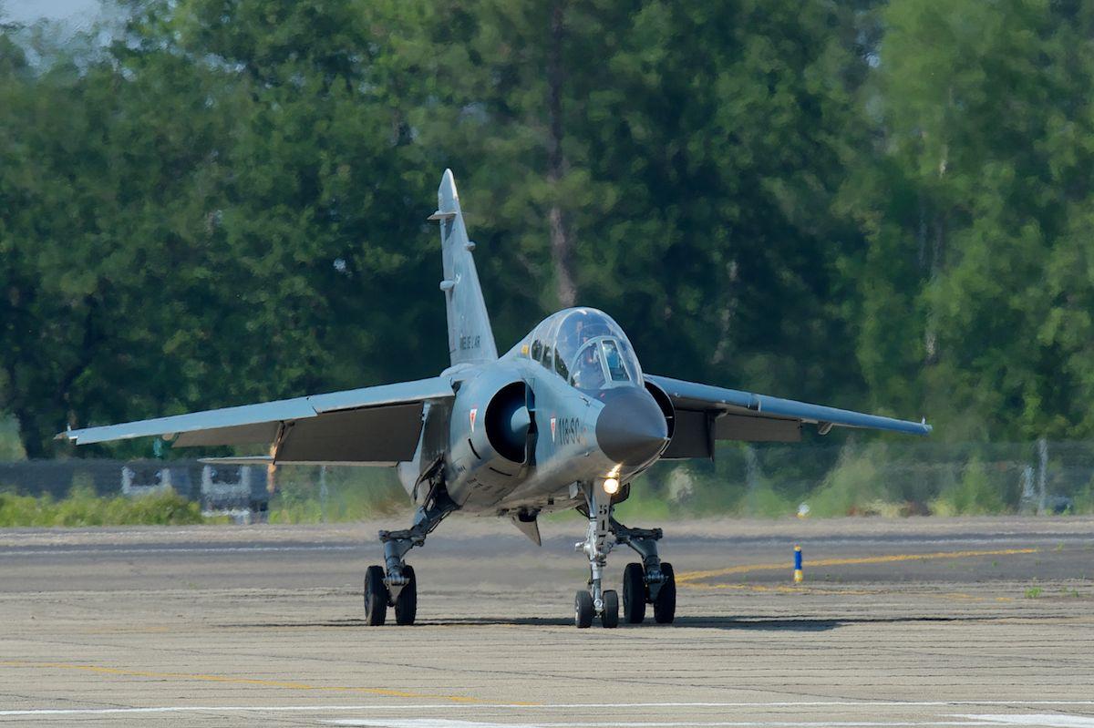 DEBRIEFING Retrait du F1 JEUDI 12 JUIN 2014  - Page 2 Mirage32