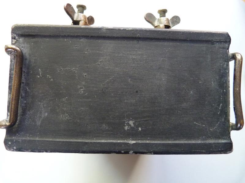 Une caissette à cartouches de la marine impériale allemande. Caisse16