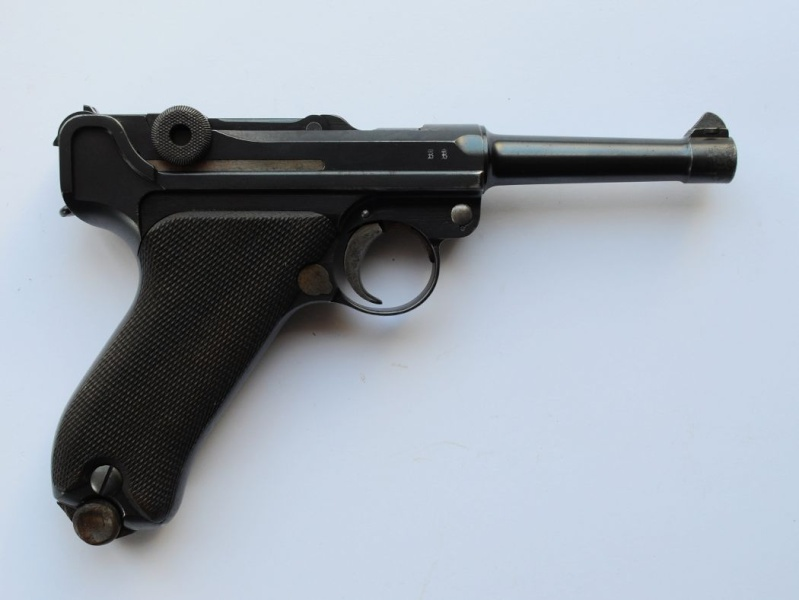 Les Luger commerciaux utilisés par l'armée impériale allemande et la Reich gendarmerie d'Alsace-Lorraine. Dwm_1926