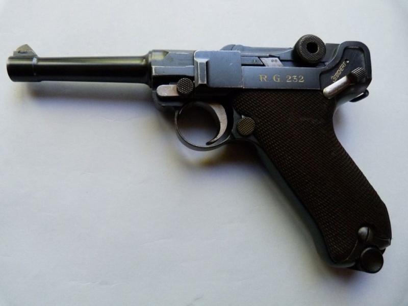 Les Luger commerciaux utilisés par l'armée impériale allemande et la Reich gendarmerie d'Alsace-Lorraine. Dwm_1932