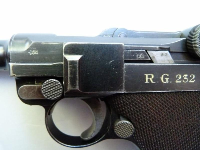 Les Luger commerciaux utilisés par l'armée impériale allemande et la Reich gendarmerie d'Alsace-Lorraine. Dwm_1933