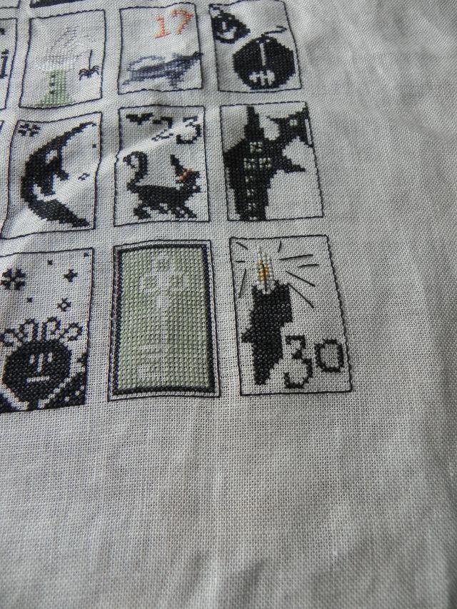 spooky countdown , primitive hare FINI - Page 19 Dscn7912