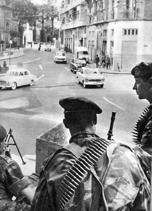 A LA UNE DE PARIS-MATCH DU 6 MAI 1961   1ére partie Img07311