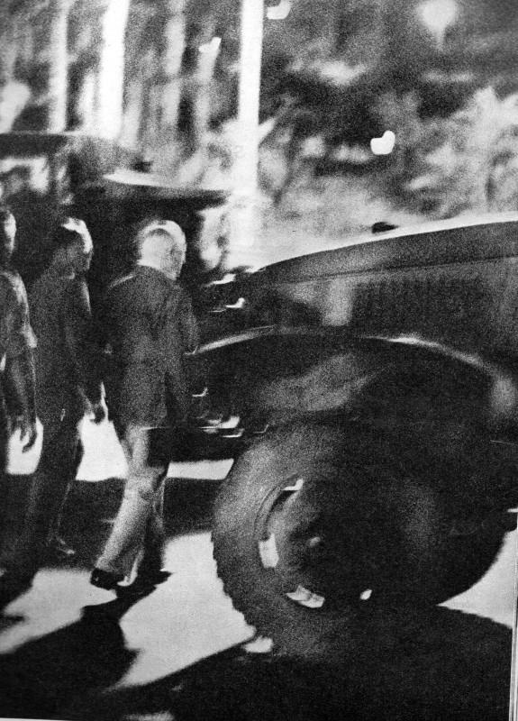 A LA UNE DE PARIS-MATCH DU 6 MAI 1961   2 éme partie Img09310