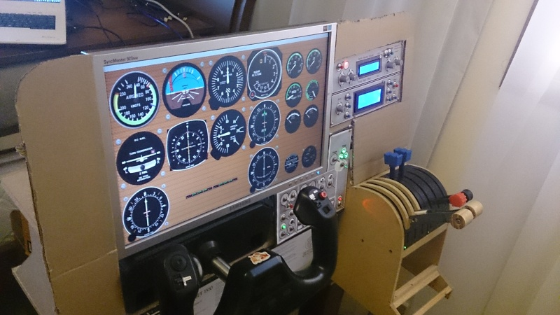 Cockpit virtuel  :  Quelle est votre configuration ? - Page 2 Dsc_0011