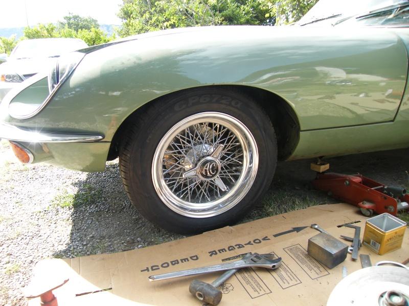 Une jaguar sachant freiner... Dscf0910