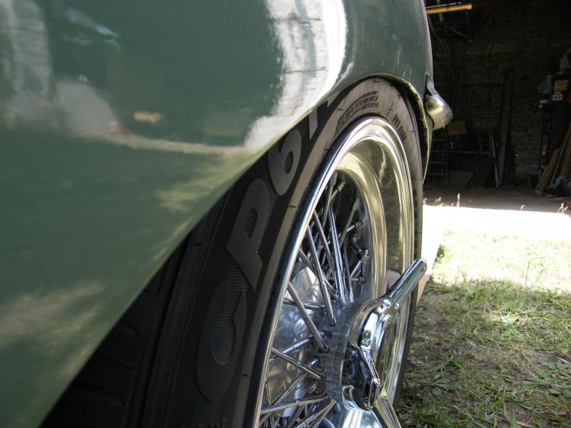 Une jaguar sachant freiner... Dscf0911