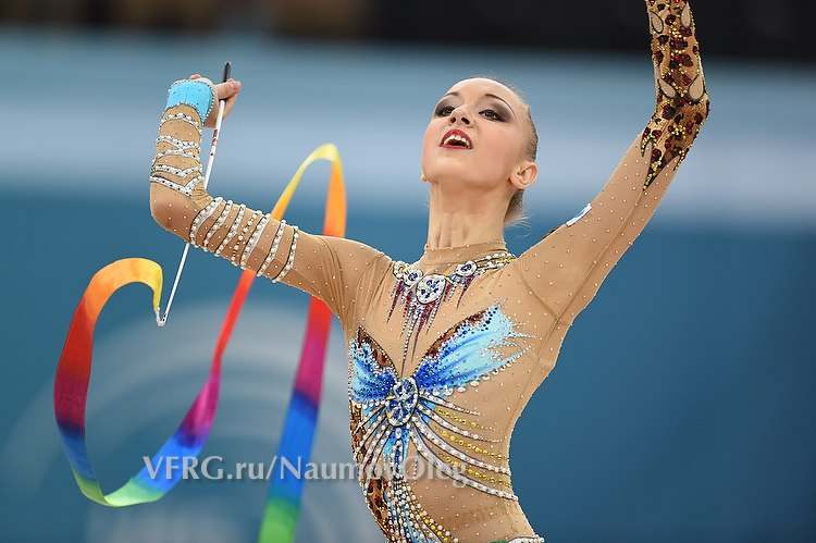 Irina Annenkova 9h_evy12