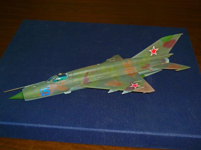 MiG-21 SMT Fishbed-K  [ EDUARD ] (Montage en cours) - Page 4 P1090010