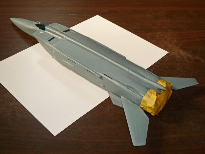 """MiG-25 PD/PDS """"Foxbat"""" (Kitty Hawk) - Page 2 P1090215"""