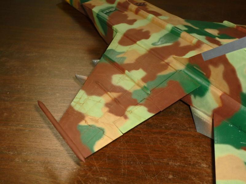 """MiG-25 PD/PDS """"Foxbat"""" (Kitty Hawk) - Page 2 P1090229"""