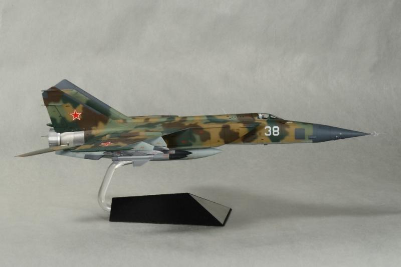 """MiG-25 PD/PDS """"Foxbat"""" (Kitty Hawk) Punr10"""