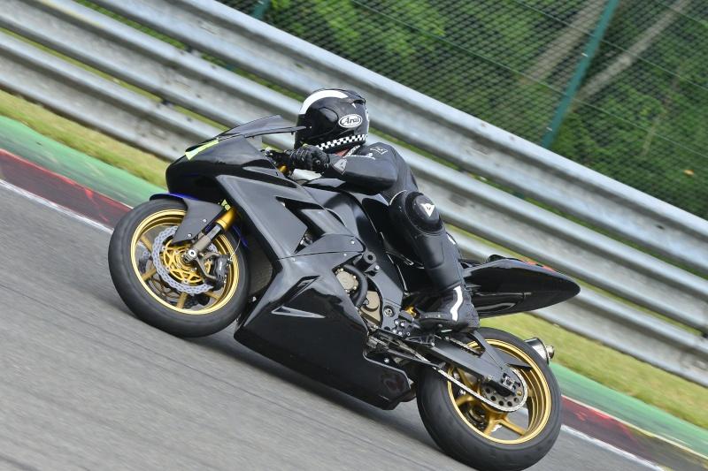 sportsmart, S20, Rosso Corsa, Pilot power.... et autres pneu route/piste. - Page 5 _dsc1710