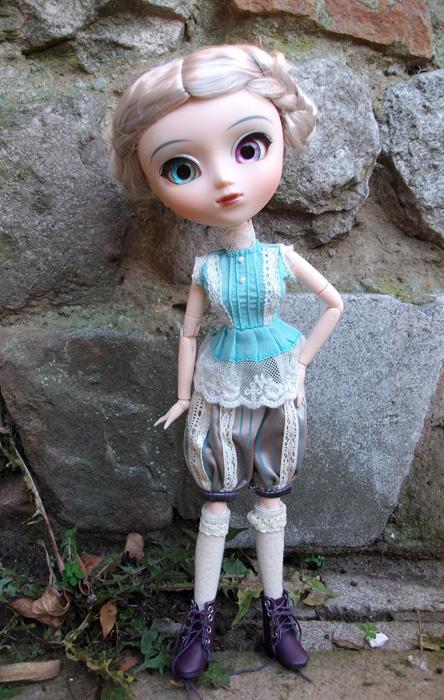 Les Pullip and co de Jane: Saphyr avec une de mes créations Imgp9414