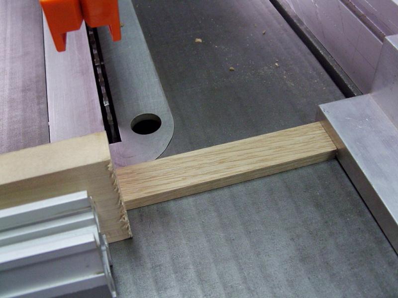 [Quelques réalisations] de Damien58 (plinthes escaliers, kaplas, volets atelier, meuble escalier, volets réno) Snb13719