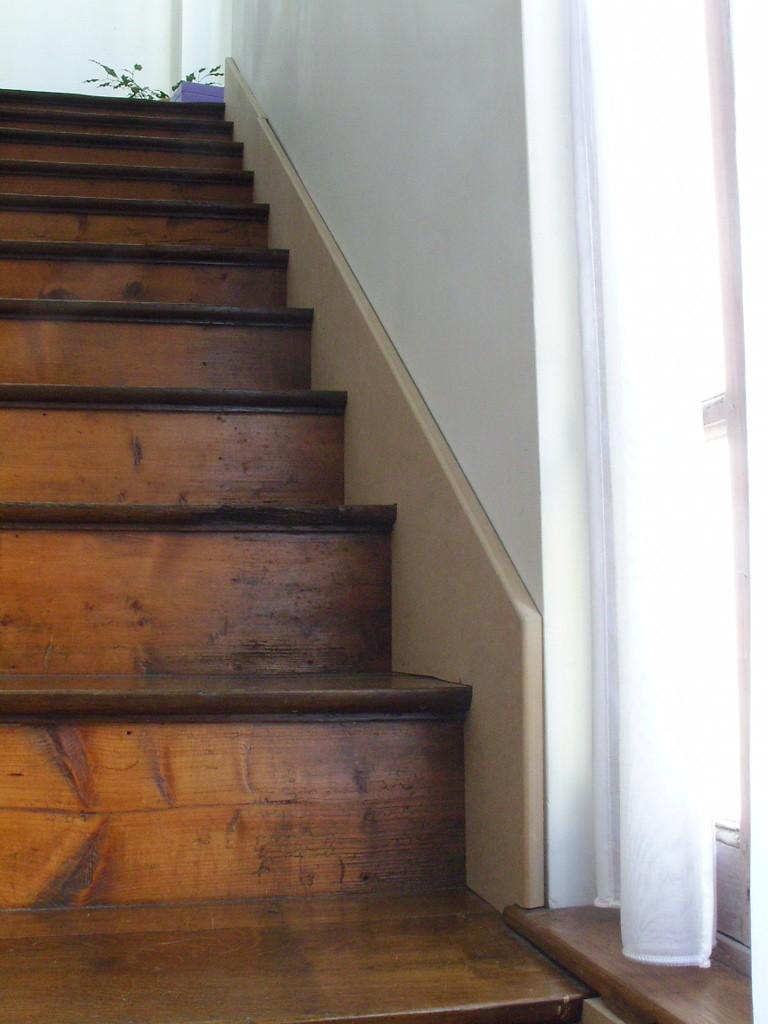 [Quelques réalisations] de Damien58 (plinthes escaliers, kaplas, volets atelier, meuble escalier, volets réno) Snb13811