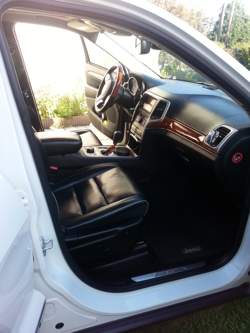Vds Grand Cherokee V6 3.6l de 2011 - 35550 kms - 33900 € 20141023