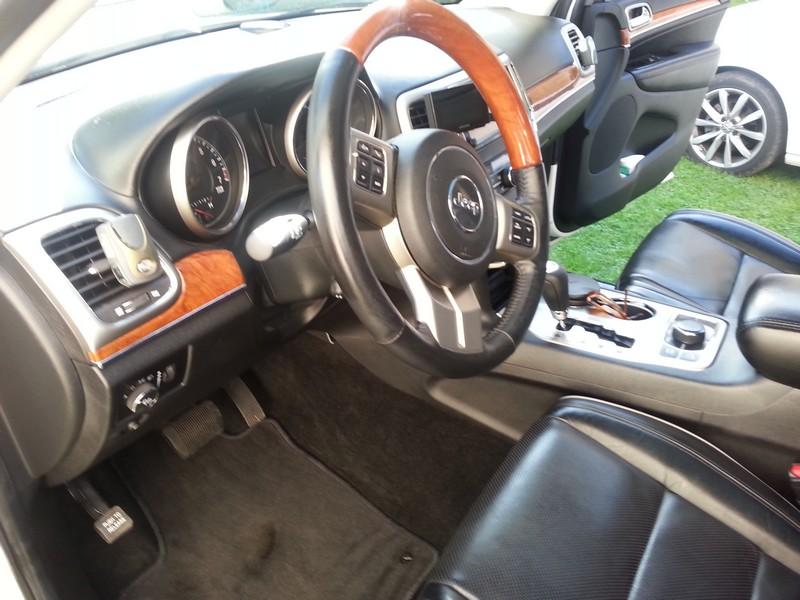 Vds Grand Cherokee V6 3.6l de 2011 - 35550 kms - 33900 € 20141024